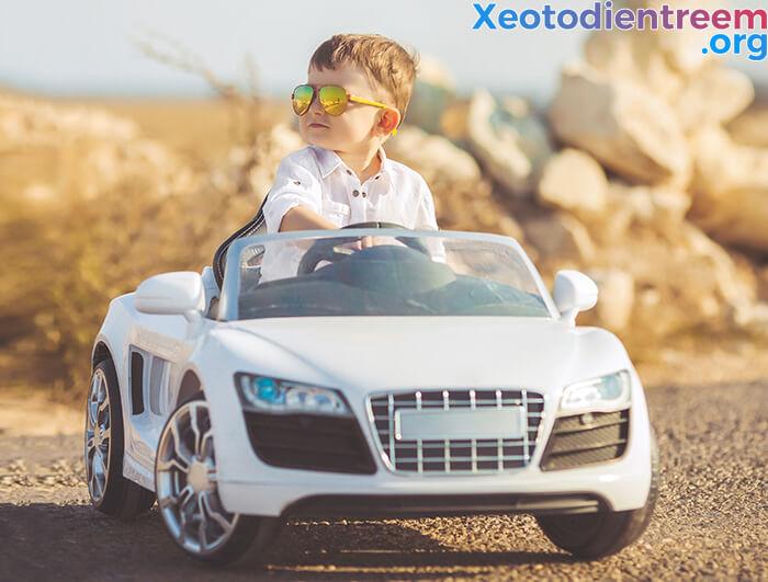 Hướng dẫn cách chọn mua xe ô tô điện cho bé 1