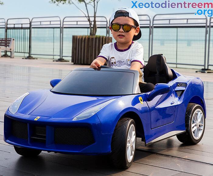 Hướng dẫn cách chọn mua xe ô tô điện cho bé 4