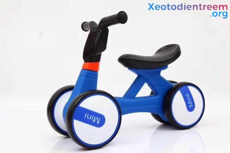 xe đồ chơi cho bé từ 1 - 2 tuổi 1