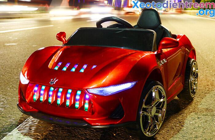 ô tô điện giá rẻ dành cho bé 3