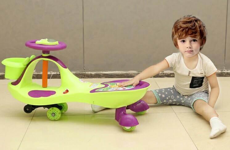 xe đồ chơi cho bé 1 tuổi