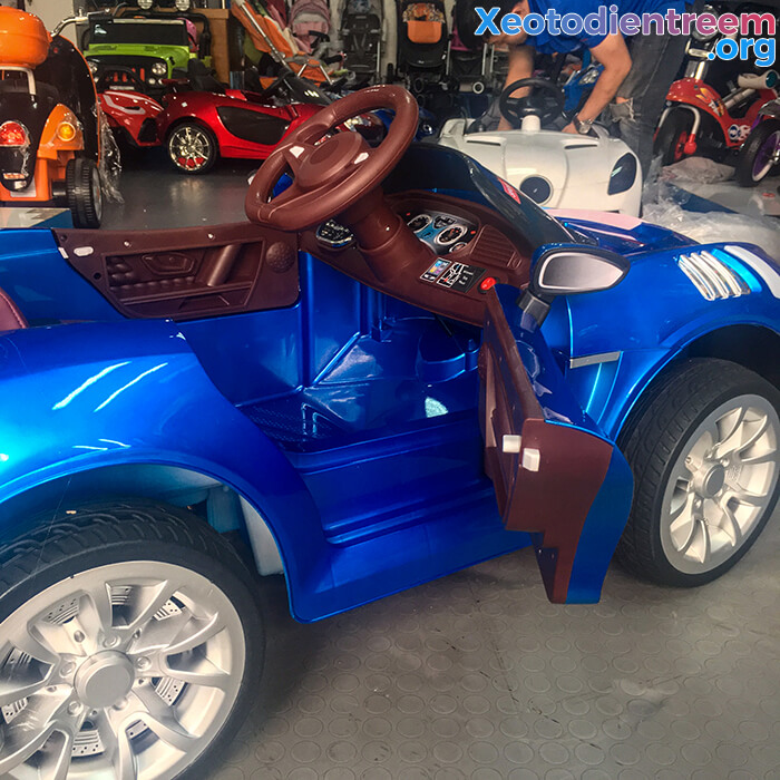 Xe ô tô điện thể thao cho bé FB6676 21