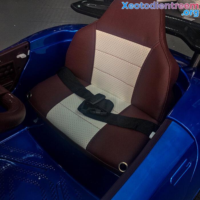 Xe ô tô điện thể thao cho bé FB6676 22