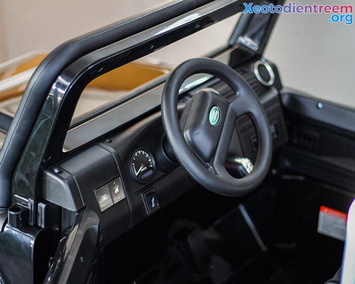 Land Rover 702 13