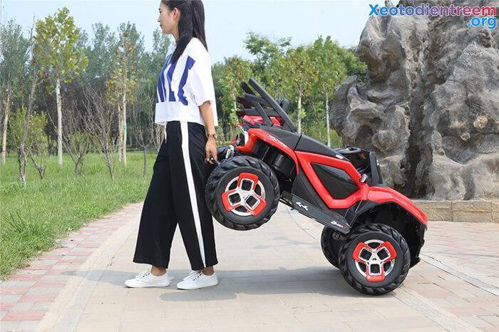 Xe ô tô điện kiểu jeep cho trẻ FB-6678 14