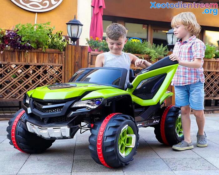 Xe ô tô điện kiểu jeep cho trẻ FB-6678 2
