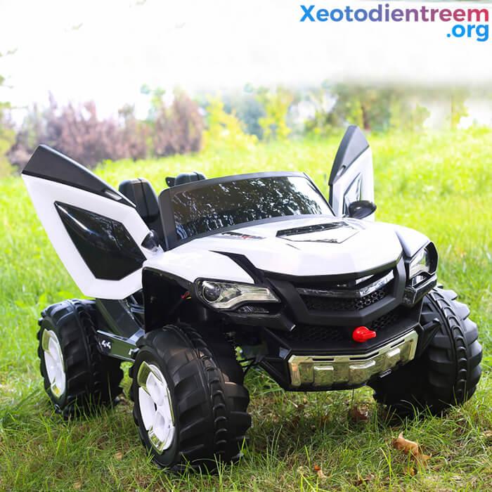 Xe ô tô điện kiểu jeep cho trẻ FB-6678 8
