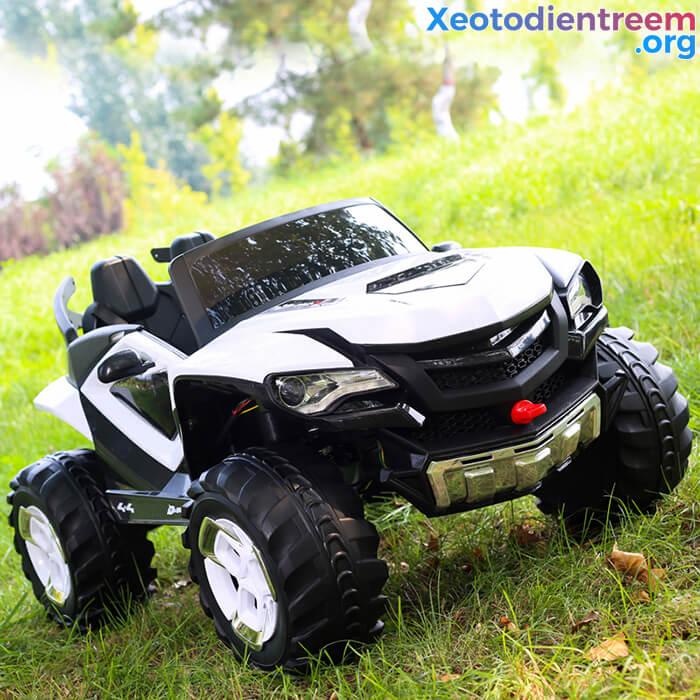 Xe ô tô điện kiểu jeep cho trẻ FB-6678 9