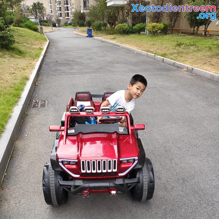 Ô tô địa hình trẻ em 2 chỗ ngồi BDQ-1200 16