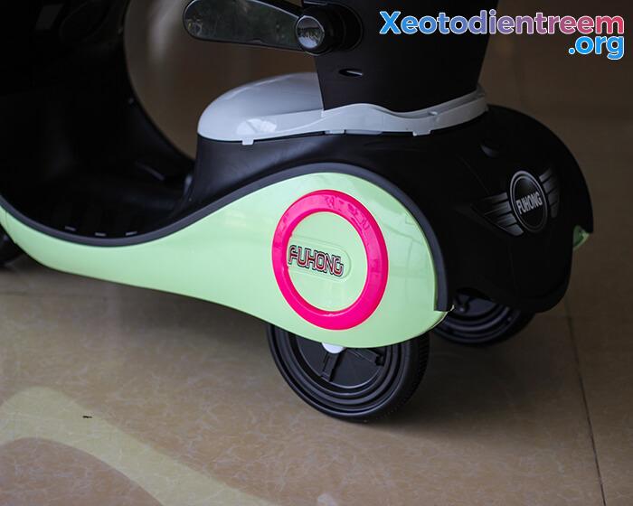 Xe máy điện đồ chơi cho bé Vespa 606 13