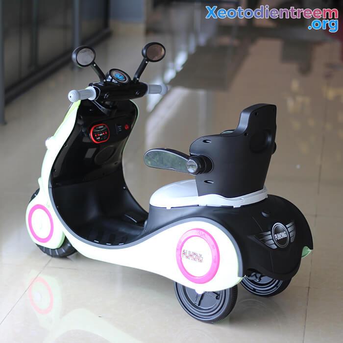 Xe máy điện đồ chơi cho bé Vespa 606 5