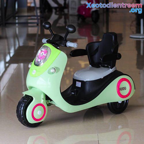 Xe máy điện đồ chơi cho bé Vespa 606
