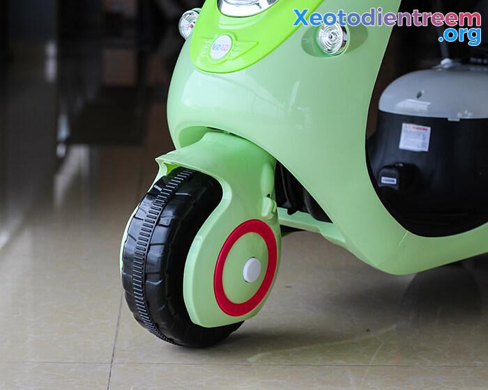 Xe máy điện đồ chơi cho bé Vespa 606 7