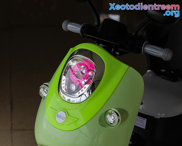 Xe máy điện đồ chơi cho bé Vespa 606 9