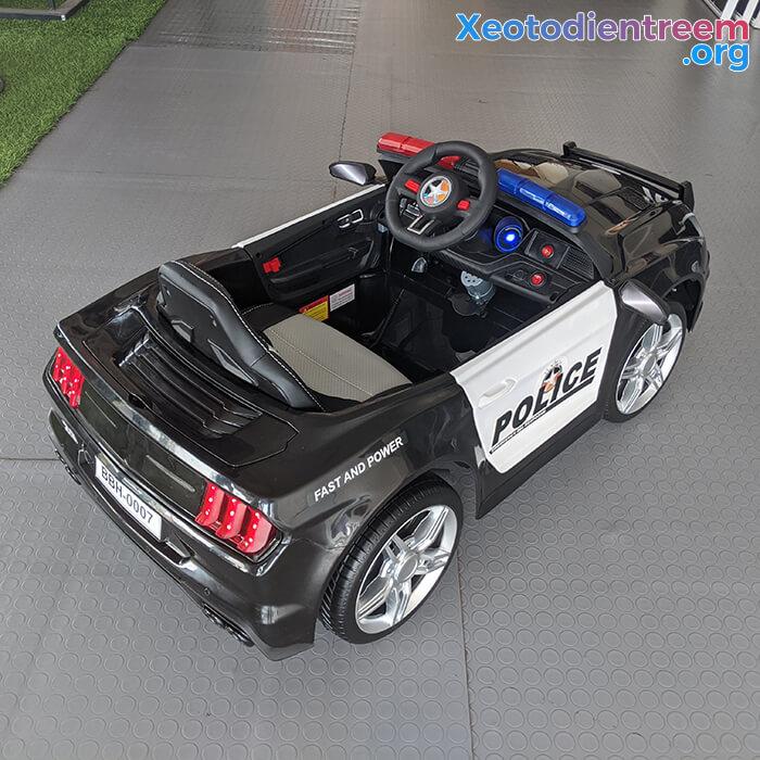 Xe oto điện cảnh sát cho bé BBH-0007 7