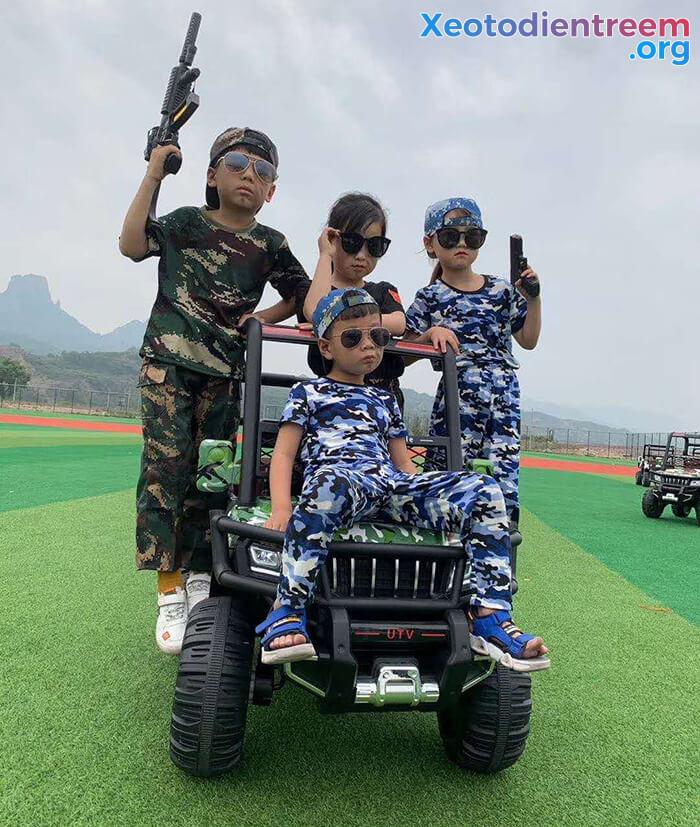 Ô tô điện trẻ em 4 động cơ KP-6688 10
