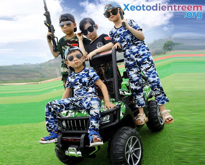 Ô tô điện trẻ em 4 động cơ KP-6688 11