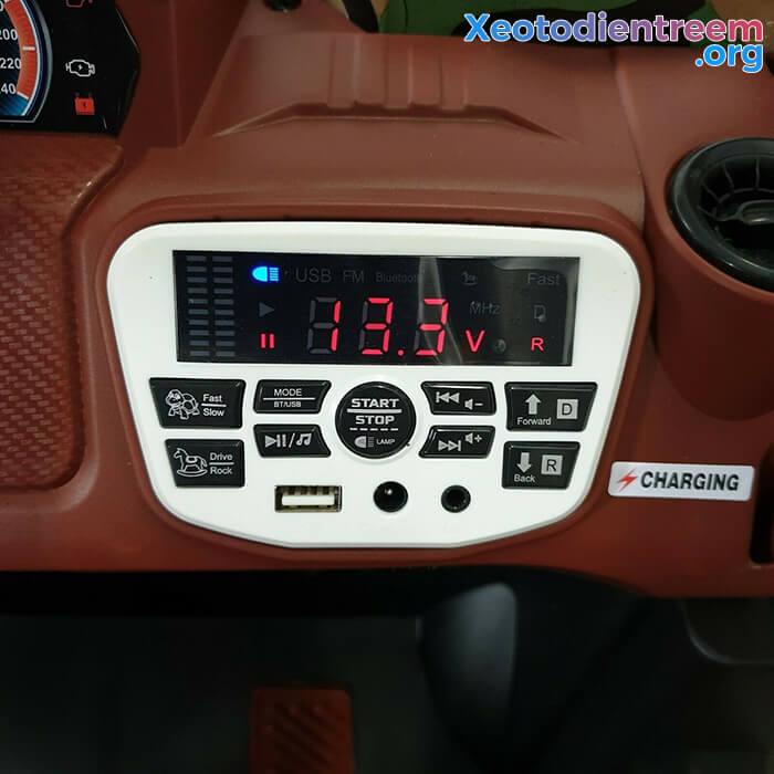 Ô tô điện trẻ em 4 động cơ KP-6688 18