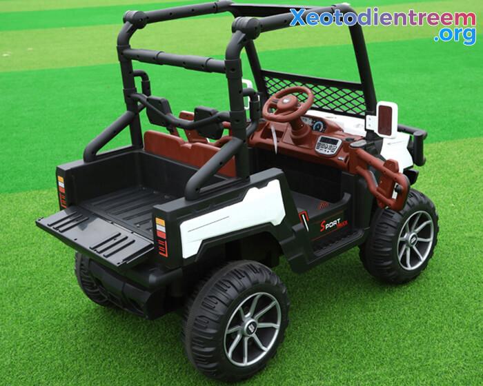 Ô tô điện trẻ em 4 động cơ KP-6688 7