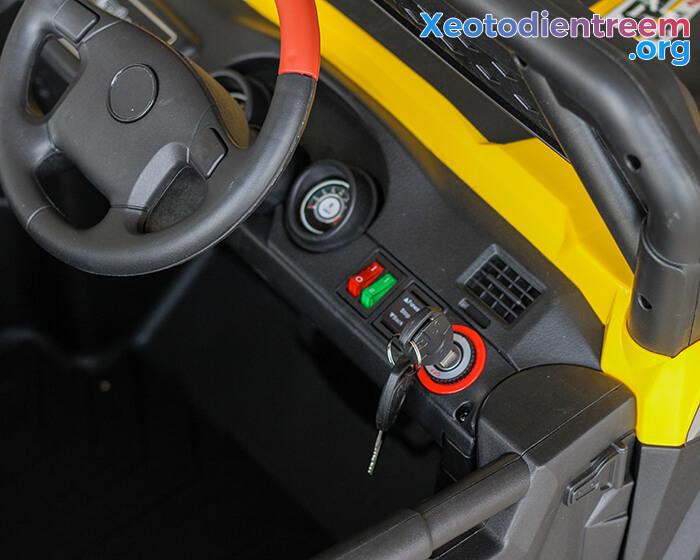 Xe ô tô điện Jeep cao cấp 4 động cơ HC-301 12
